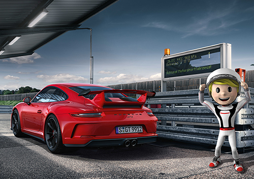 Porsche Motorsport: Full throttle on the road!